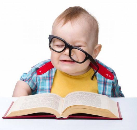 Ребёнок - дошкольник. Играть или учиться?!