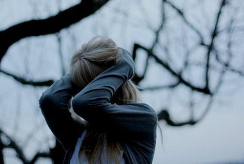 фото на аву девушки грустные