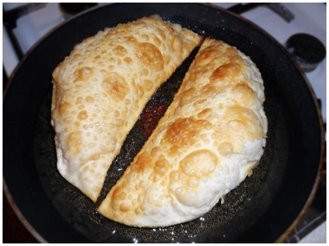 Рецепт чебурек с мясом на сковороде пошаговый