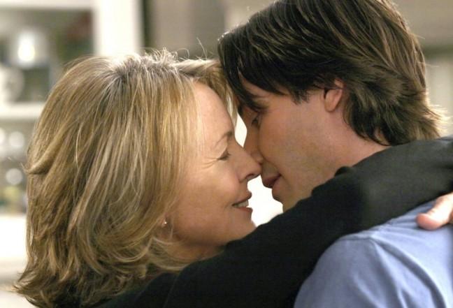 любовь между женщиной и молодым парнем фильм