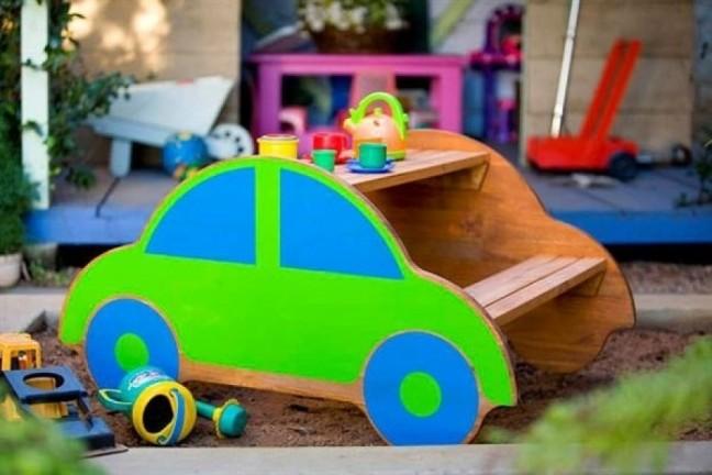 Машинка на детский участок