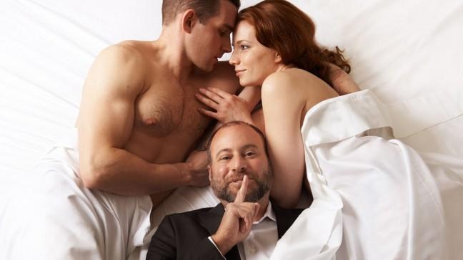 porno-video-seks-forum-zhena-privodit-k-nam-v-postel-prostitutok