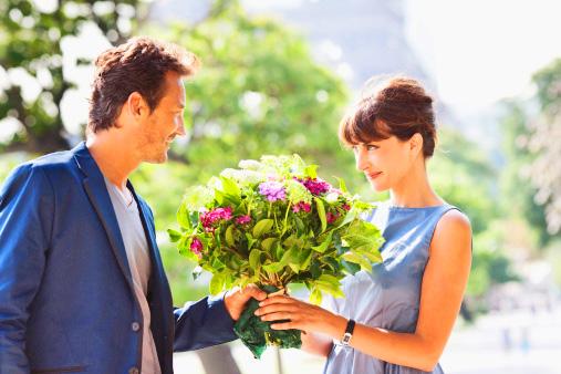 Цветок который дарят мужчинам