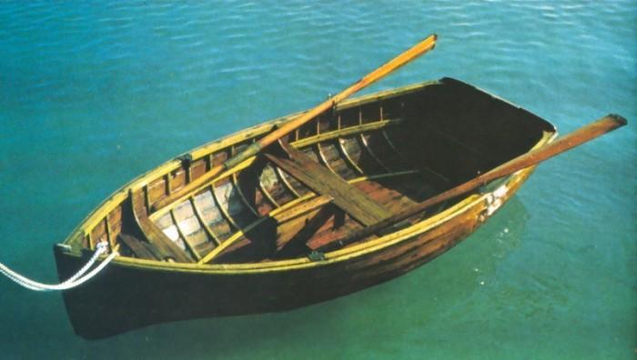 чтобы лодка не гнилая