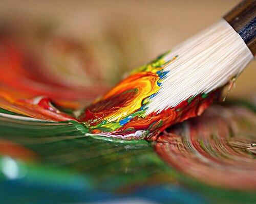 Как художник рисует радугу