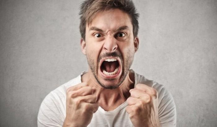 Агрессивный муж психология