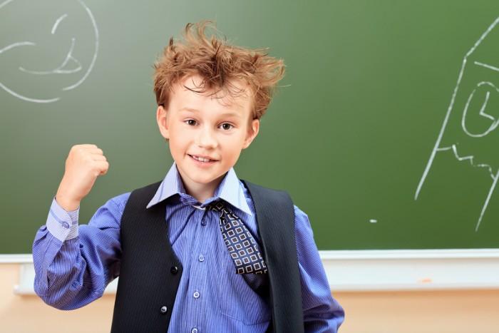 обычно сын плохо ведет себя в школе разминки, когда уже