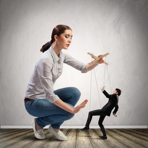 10 признаков женщины социопата