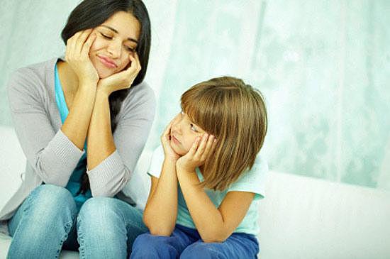 Дочь просит прощение у мамы