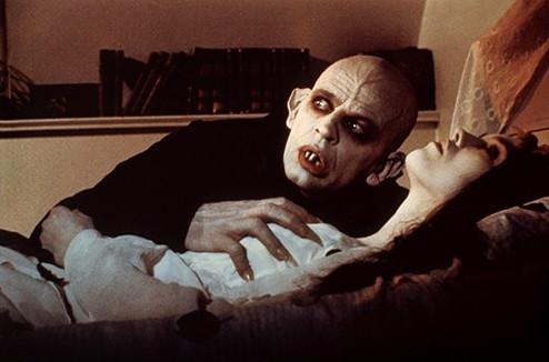 Самые сексуальные девушки из фильмов ужасов
