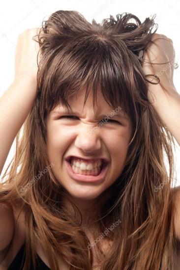 О неожиданном нарушении поведения и агрессии девочек