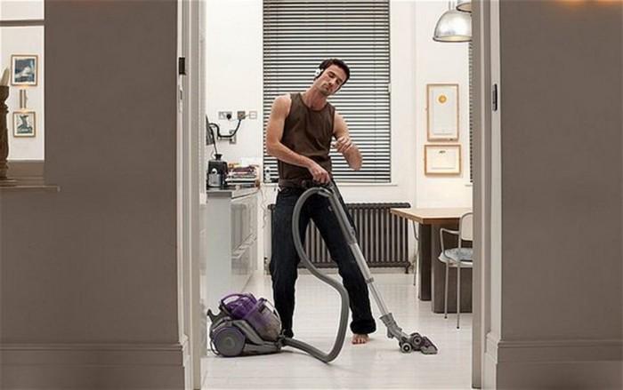 Надписью, картинка прикольная муж делает уборку