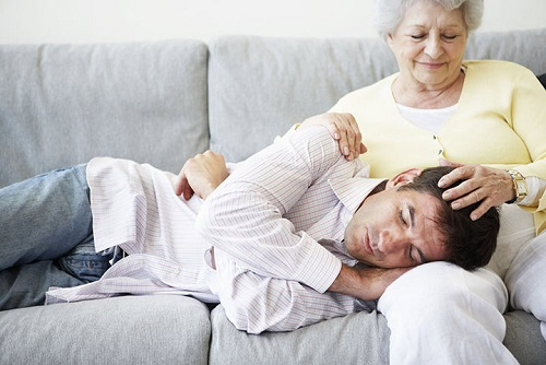 Мужчина: обрыв пуповины или развод с матерью?