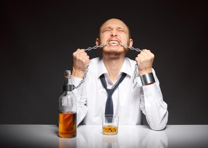 Почему женщины выбирают алкоголиков