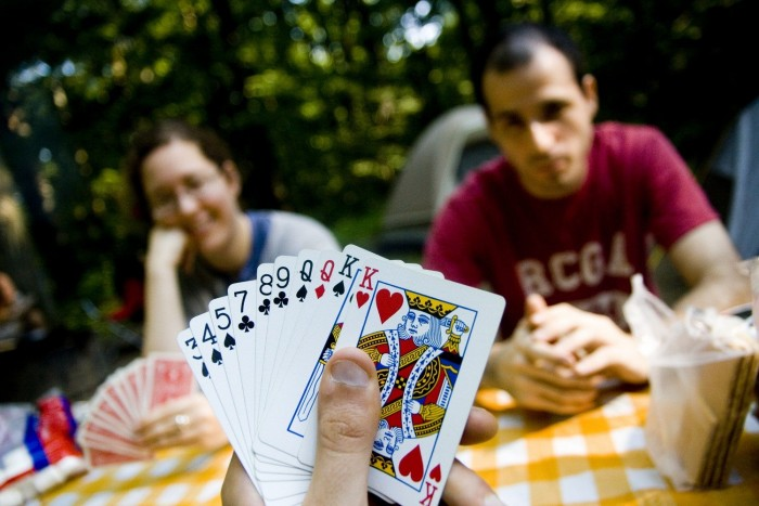 Научите играть в карты дурака как играть верю не верю в карты видео