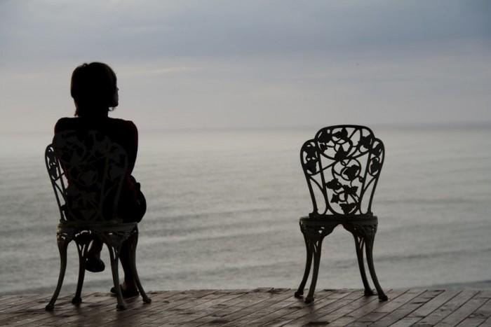 Одинокая женщина  это неприлично