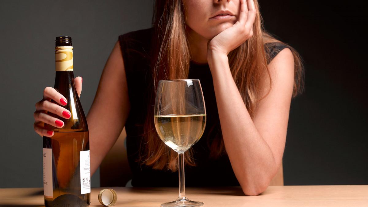 Алкоголь  бегство от себя или помощник